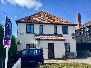 1 Bedroom Flat for sale in Hillfield Road, Selsey, Chichester, West Sussex