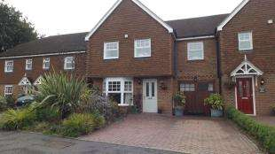 4 Bedrooms Semi Detached House for sale in Hophurst Drive, Crawley Down, West Sussex
