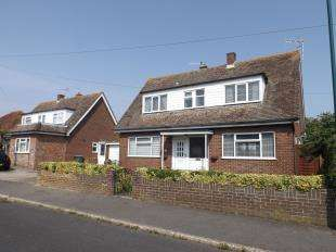 3 Bedrooms Bungalow for sale in North Way, Bognor Regis