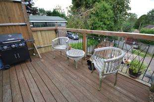 2 Bedrooms Maisonette Flat for sale in Hastings Road, Pembury, Tunbridge Wells, Kent