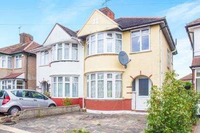 3 Bedrooms Semi Detached House for sale in Sandhurst Road, Kingsbury, London, Uk