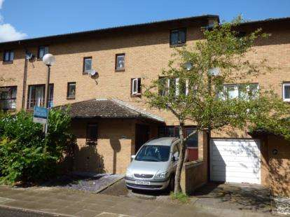 3 Bedrooms Terraced House for sale in Oldbrook Boulevard, Oldbrook, Milton Keynes, Buckinghamshire