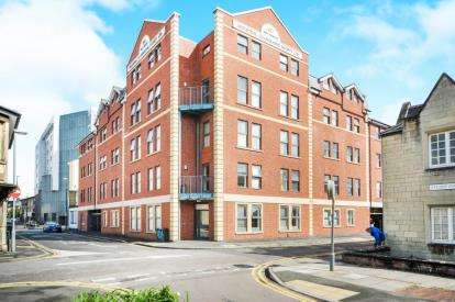 1 Bedroom Flat for sale in Harding House, 2 Harding Street, Swindon, Wiltshire