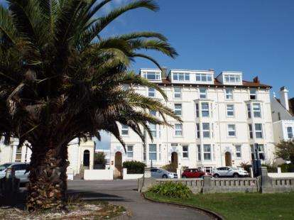 2 Bedrooms Flat for sale in 44 Clarence Parade, Southsea, Hampshire