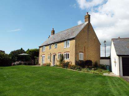 4 Bedrooms Detached House for sale in Salwayash, Bridport, Dorset