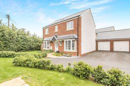 4 Bedrooms Detached House for sale in Bathpool, Taunton, Somerset