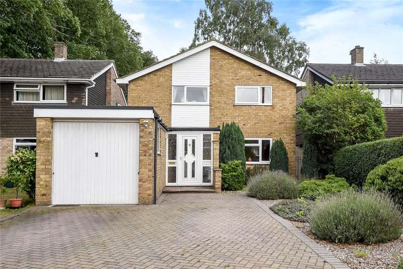 4 Bedrooms Detached House for sale in Drakes Drive, Northwood, Middlesex, HA6