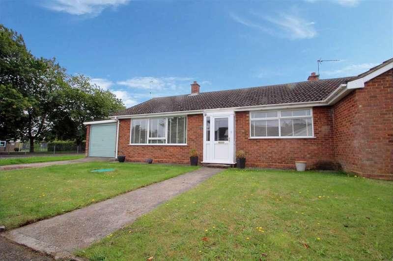 3 Bedrooms Semi Detached Bungalow for sale in Woodlands, Chelmondiston