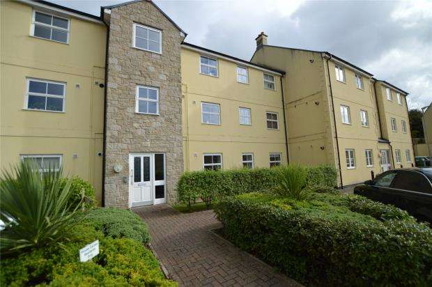 2 Bedrooms Flat for sale in Madison Close, Hayle, Cornwall