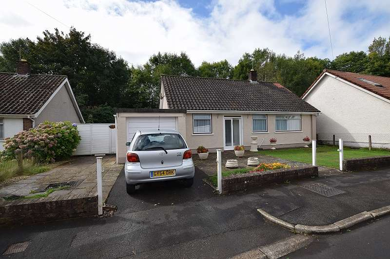 2 Bedrooms Detached Bungalow for sale in Pen-Y-Dre , Rhiwbina, Cardiff. CF14 6EN