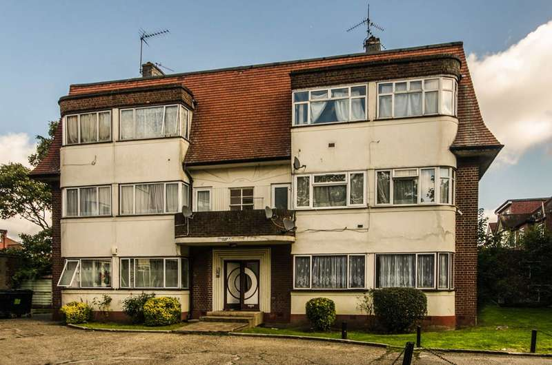 2 Bedrooms Flat for sale in Tanfield Avenue, Neasden, NW2