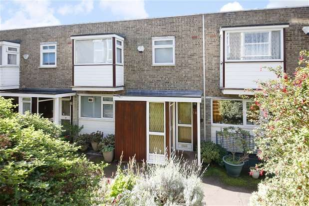 3 Bedrooms Terraced House for sale in Giles Coppice, London