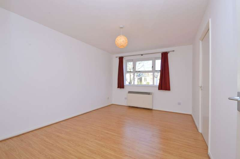 1 Bedroom Flat for sale in Henry Doulton Drive, Tooting Bec