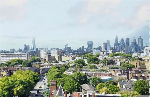 2 Bedrooms Flat for sale in 187 East India Dock Road, London