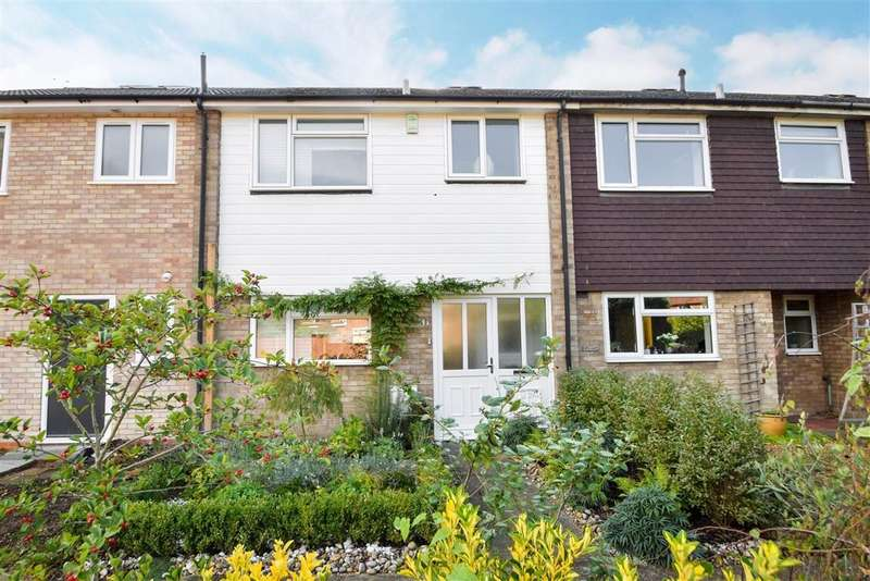 3 Bedrooms Terraced House for sale in Hogfair Lane, Burnham, SL1