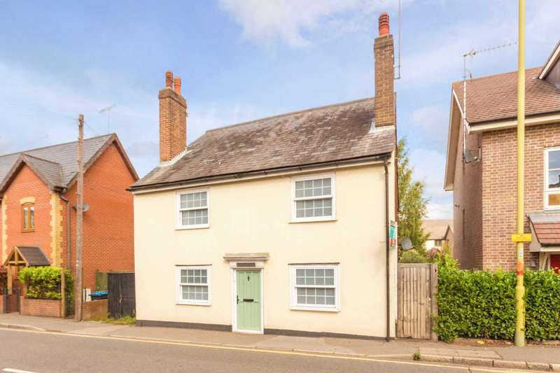 5 Bedrooms Detached House for sale in Gossoms End, Berkhamsted