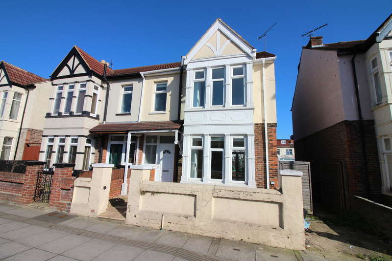 3 Bedrooms Semi Detached House for sale in Baffins Road, Portsmouth