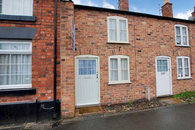 2 Bedrooms Cottage House for sale in High Street, Tarvin, Chester