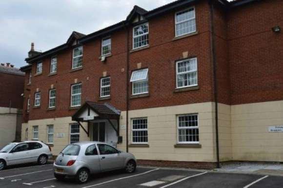 2 Bedrooms Flat for sale in 259 Walmersley Road, Bury