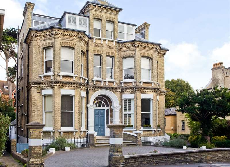 3 Bedrooms Flat for sale in Eaton Gardens, Hove, East Sussex, BN3