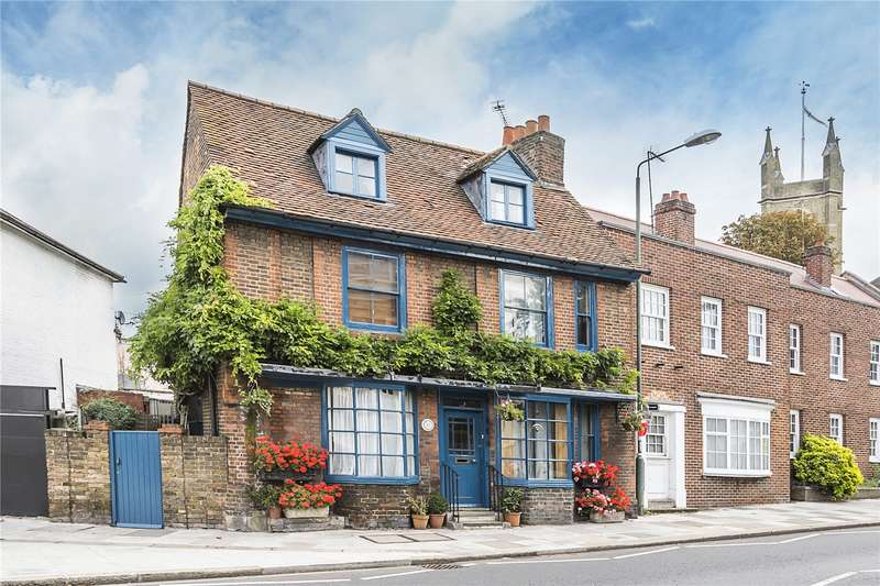 4 Bedrooms Mews House for sale in Thames Street, Hampton, TW12