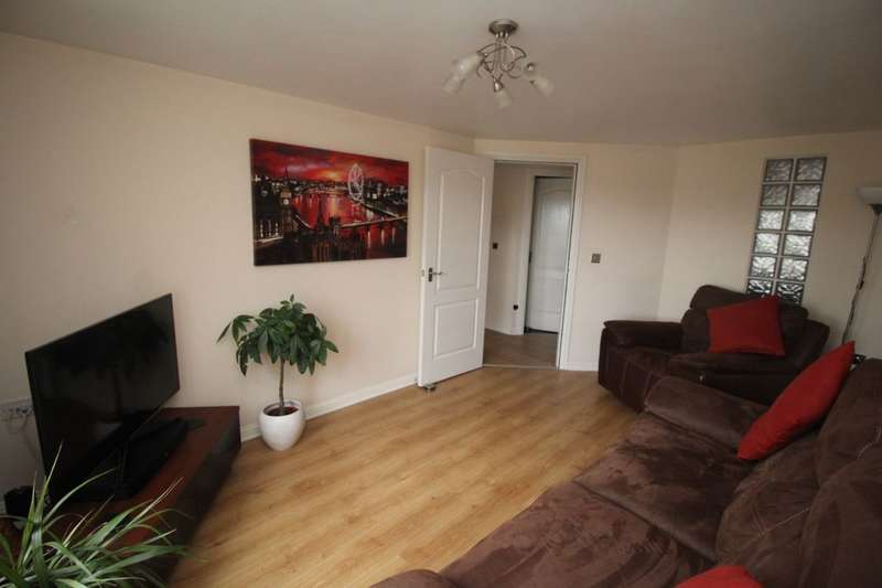 2 Bedrooms Flat for sale in Whiteside Court, Bathgate, EH48
