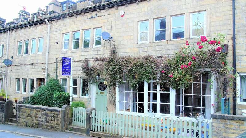 3 Bedrooms Terraced House for sale in Foster Lane Hebden Bridge