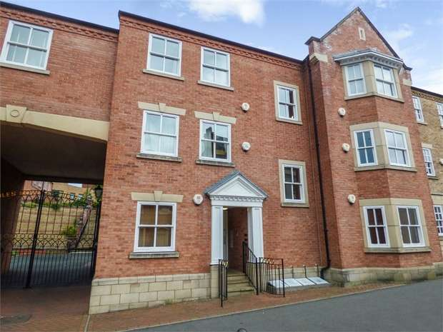 1 Bedroom Flat for sale in Lower High Street, Stourbridge, West Midlands