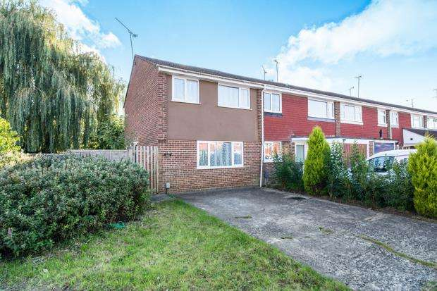 3 Bedrooms End Of Terrace House for sale in Blackwater, Camberley, Hampshire