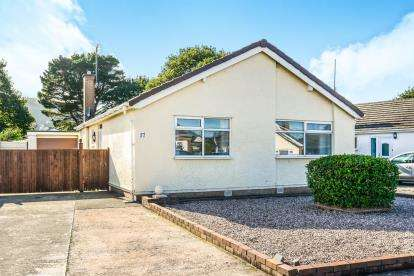 2 Bedrooms Bungalow for sale in Wentworth Avenue, Abergele, North Wales, Conwy, LL22