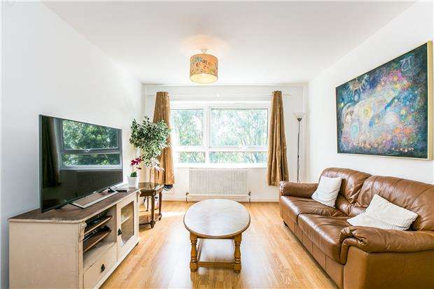 4 Bedrooms Maisonette Flat for sale in East Hill, Wandsworth Town, LONDON, SW18