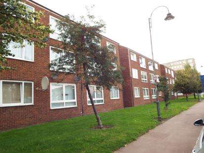 1 Bedroom Flat for sale in Dagenham, Essex, .
