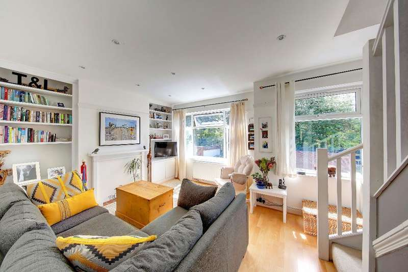 2 Bedrooms Maisonette Flat for sale in Rothesay Avenue, London, SW20 8JU