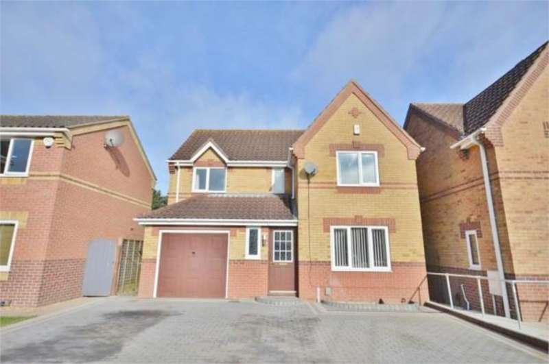 4 Bedrooms Detached House for sale in Montrose Court, Norwich