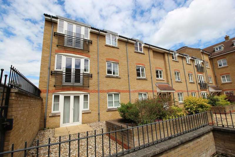2 Bedrooms Apartment Flat for sale in Pegs Lane, Hertford SG13