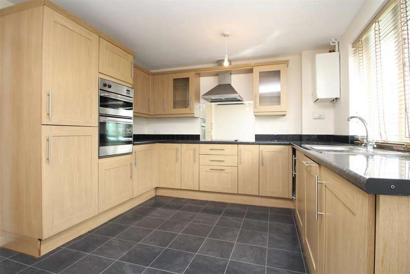 2 Bedrooms Maisonette Flat for sale in Arundel Court , Heron Hill, Belvedere, DA17 5HF