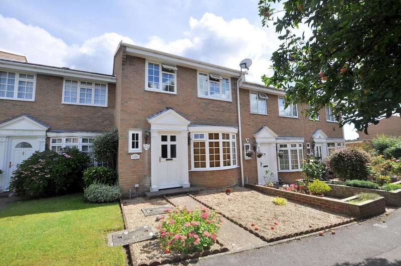 3 Bedrooms Terraced House for sale in Ferndown, Dorset