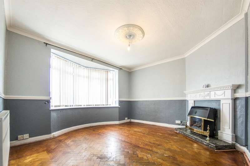 3 Bedrooms Semi Detached House for sale in Pentregethin Road, Ravenhill, Swansea