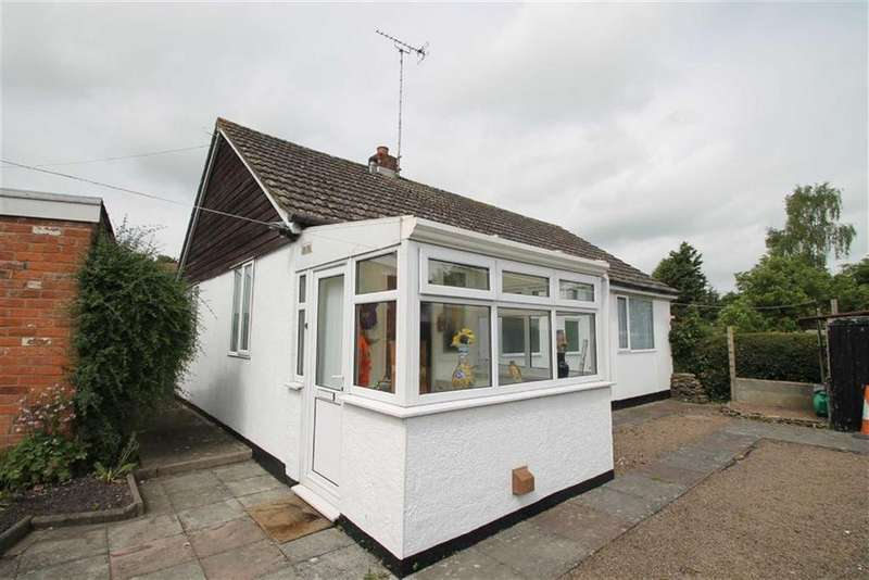 2 Bedrooms Detached Bungalow for sale in Mill Street, LEOMINSTER, Leominster, Herefordshire