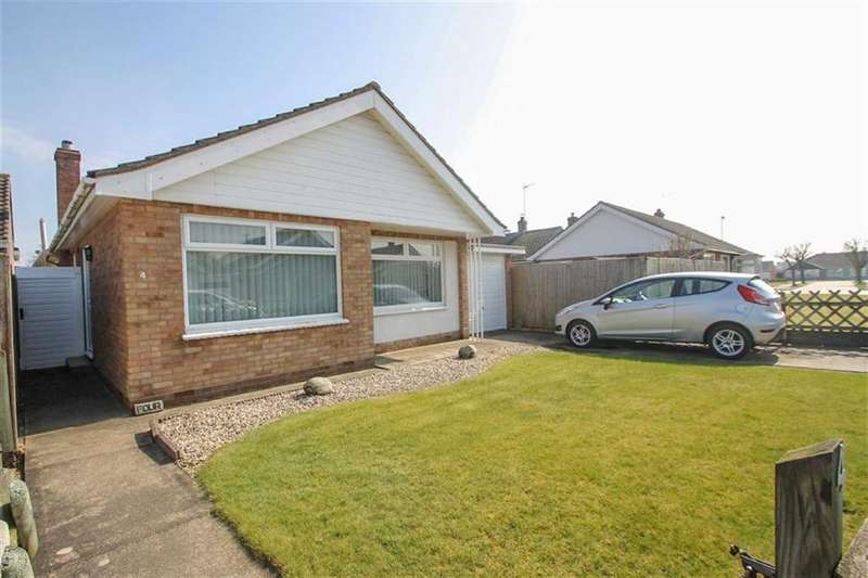 2 Bedrooms Detached Bungalow for sale in Birch Close, Clacton-on-Sea