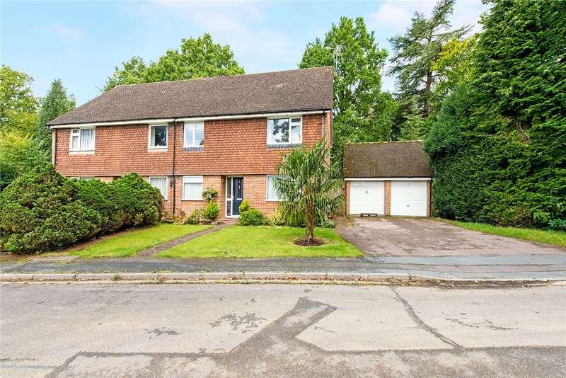 2 Bedrooms Flat for sale in Birkett Way, Chalfont St. Giles, Buckinghamshire, HP8