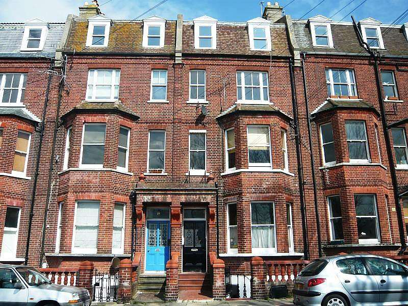 2 Bedrooms Maisonette Flat for rent in College Terrace, Upper Maisonette, Brighton