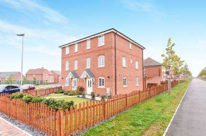 4 Bedrooms Semi Detached House for sale in Codling Road, Evesham