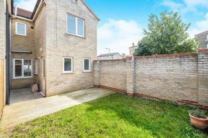 3 Bedrooms End Of Terrace House for sale in Lowestoft, Suffolk, .