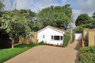 3 Bedrooms Bungalow for sale in Farm Lane, Hildenborough, Kent