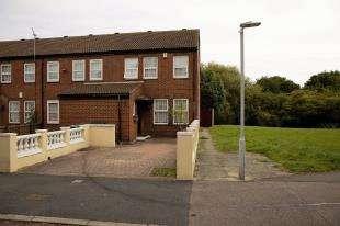 3 Bedrooms End Of Terrace House for sale in Fieldfare Road, London