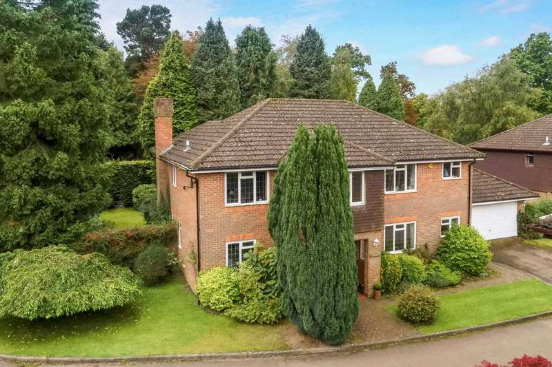 5 Bedrooms Detached House for sale in Old Meadow Close, Berkhamsted