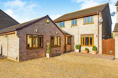 4 Bedrooms Detached House for sale in Crane Street, Brampton, Huntingdon, Cambs