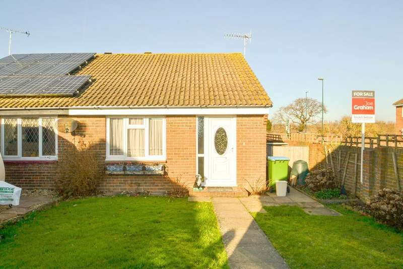 2 Bedrooms Bungalow for sale in Osprey Gardens, North Bersted, Bognor Regis, West Sussex, PO22 9QQ