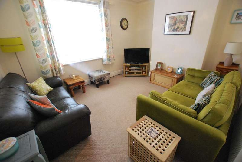 3 Bedrooms Terraced House for sale in Lulworth Avenue, Ashton, Preston, Lancashire, PR2 2BE